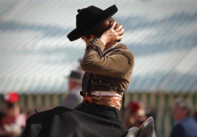Imagen de una amazona goyesca en la Feria de Sevilla guardada en Instagram por Piluca Román.
