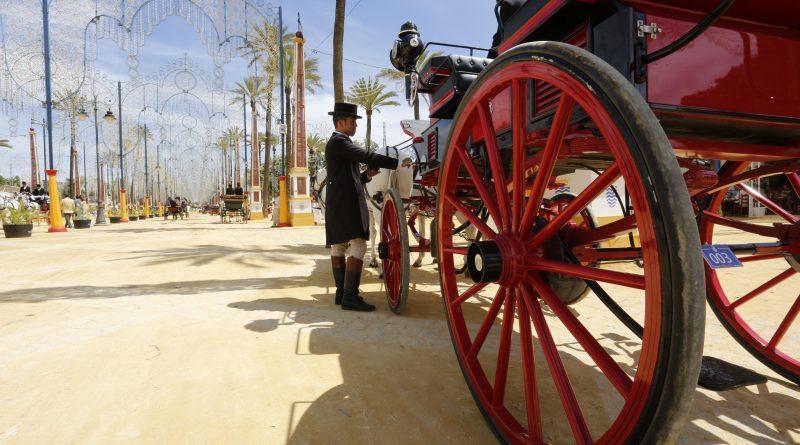 El paseo de caballos de la Feria de Jerez era el jueves la sombra de lo que fue hace veinte y treinta años, cuando la rotonda del Hontoria se colapsaba en hora punta. (Foto: Manuel Pascual/Diario de Jerez)