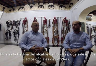 Los guarnicioneros Francisco y Marcos, el viernes durante la grabación.