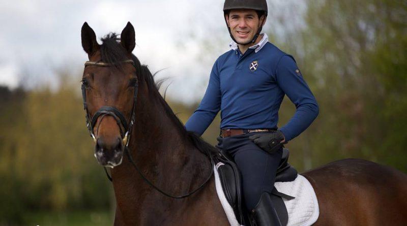 Imagen de la colección que guarda en Facebook Severo Jurado con la campeona del mundo de caballos jóvenes en Dinamarca.
