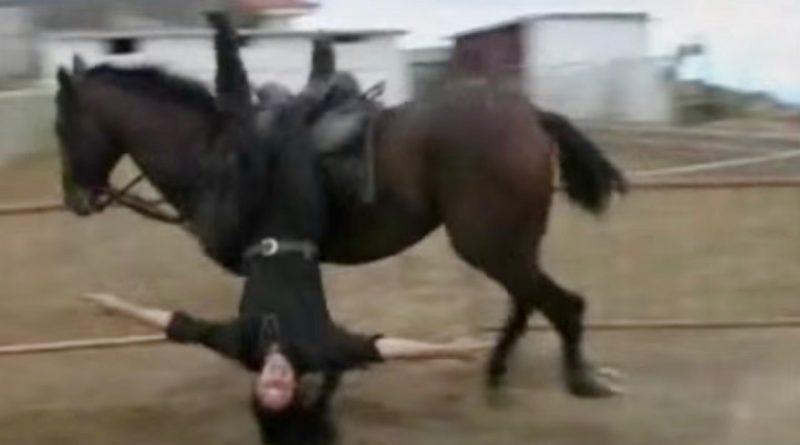 Fotograma del vídeo del entrenamiento de la política madrileña.