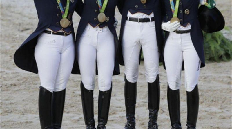 Imagen de un podio por equipos de hípica publicada por Eurosport.