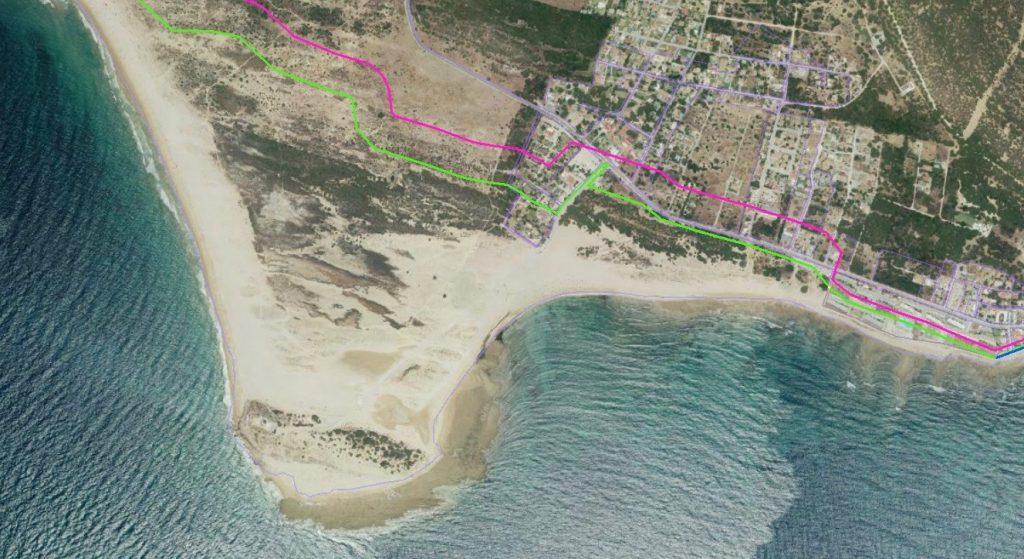 El Ministerio de Transición Ecológica ha rechazado redefinir la línea de costa (dibujada en verde) para excluir al cabo de Trafalgar de la zona marítimo-terrestre.