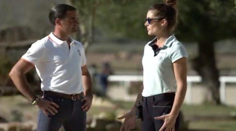 La amazona paraecuestre Flore Espina, hace unos días, junto a su nuevo entrenador, el jinete olímpico gaditano José Antonio García Mena.